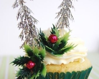 Holly leaves with red berry Cupcake Toppers (12)