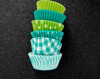 Mini Cupcake Liners 60 Assorted Green Baking cups