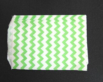 10 Green Chevron Paper Gift Bags (Medium 5 x 7.5)