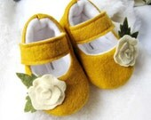 Felt baby shoes, Yellow baby booties, flower maryjanes CUSTOM colors available