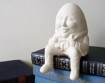 Humpty Dumpty Shelf Sitter