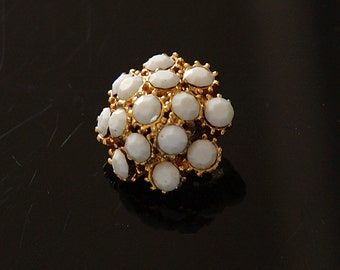 1 Vintage White Studded Button - Unused Stock for Sewing, Jewelry & Crafts