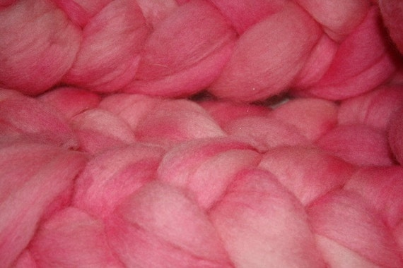 Kettle Dyed Corriedale X Roving for Spinning and Felting Pink Frosting