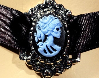 Day Of The Dead Goddess - Lady Bones, Ms. Skeleton, Lady Decay - Adjustable Neo Victorian Skull Cameo Choker Necklace In Antiqued Silver