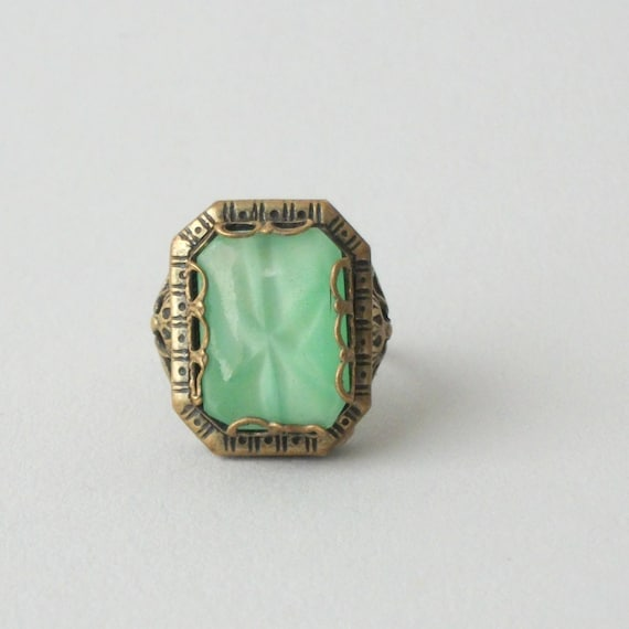 Art Deco Ring . Jade Star Sapphire Glass . Nemco .