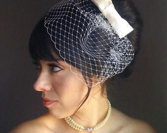Bow birdcage veil, ivory birdcage veil, bridal bow veil, bridal bow hair clip, bow fascinator veil, birdcage veil, bow veil, veil, bridal