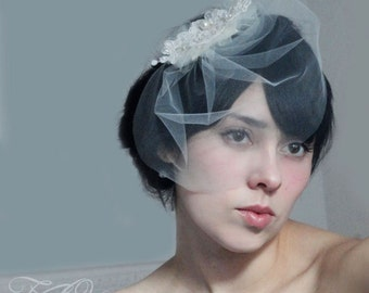 Bridal lace hair clip or comb fascinator and detachable mini tulle or French netting birdcage veil sale winter bride - MECIA