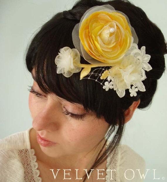 Bridal clip, Yellow Ranunculus clip, flower fascinator, bridal comb, yellow birdcage veil, detachable veil, bridal veil set,
