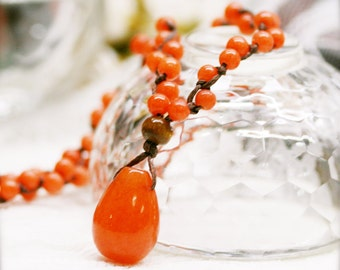 Red saga custard macramé jade necklace
