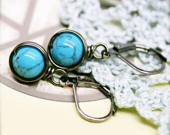 Decency petite Howlite wire wrap earrings - 8mm