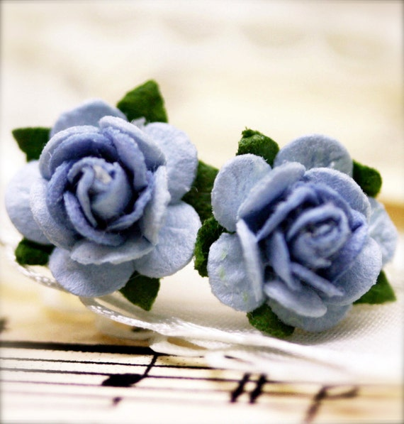 Queenly blue petite blossom ear studs
