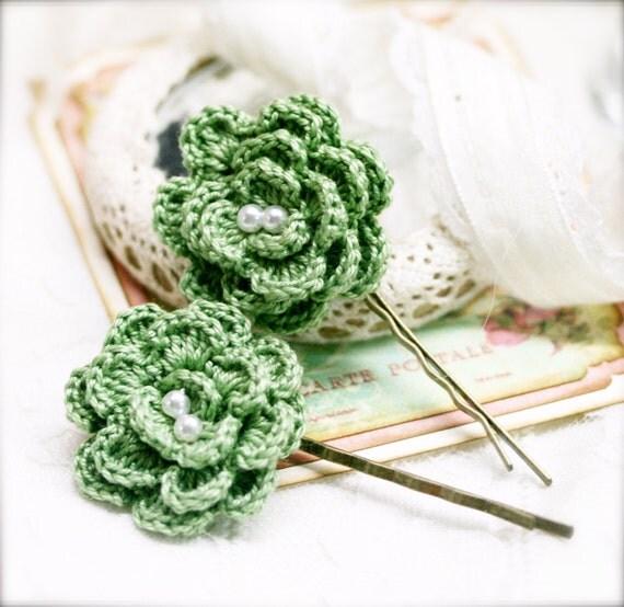Green Begonia crocheted flower bobby pin x 2