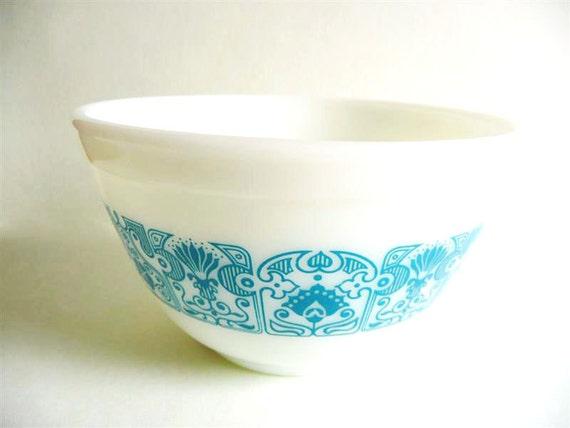 Vintage Pyrex, Horizon Blue, Mixing Bowl, 1 1/2 Pint, Blue and White, Milk Glass, Kitchen Decor, Kitchenware