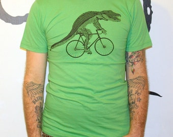Mens ALLIGATOR on BICYCLE american apparel T Shirt S M L Xl (grass green)
