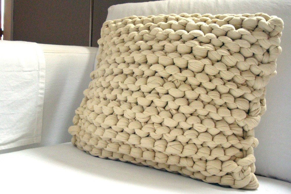 Super Chunky Knit Throw Pillow Wheat