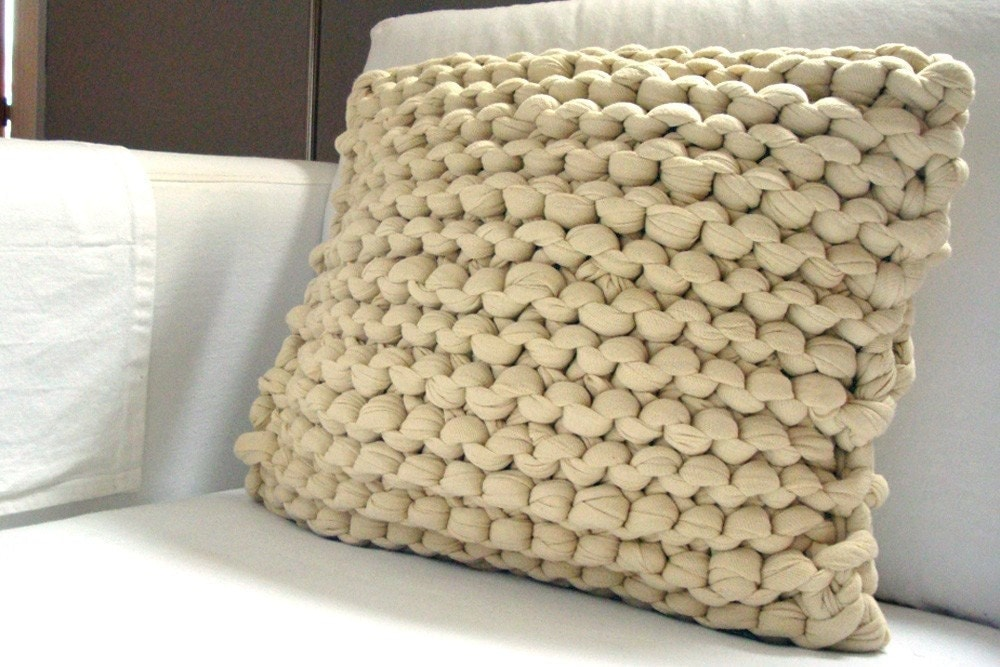 Knitting Patterns For Throw Pillows : Super Chunky Knit Throw Pillow Wheat