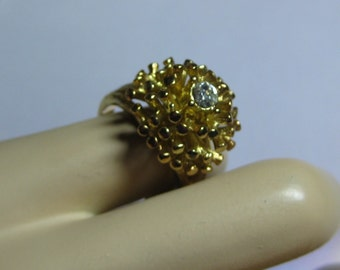 Retro Cluster Ring  5/8 diam. and is SIZE 8 signed 18k gold HGE Vargas  Yellow Gold from 1960s On SaLe Now