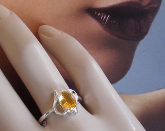 Vintage Heart Promise  Ring with High Quality November Birthstone Citrine Cz Crystal. Champagne Color  925 Sterling Size 7  On SaLe Now