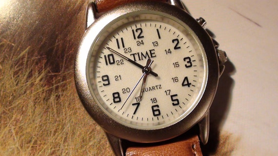 TIME Magazine Collectible Wrist Watch Classic Leather  Brown Band  And Internal light Working Vintage