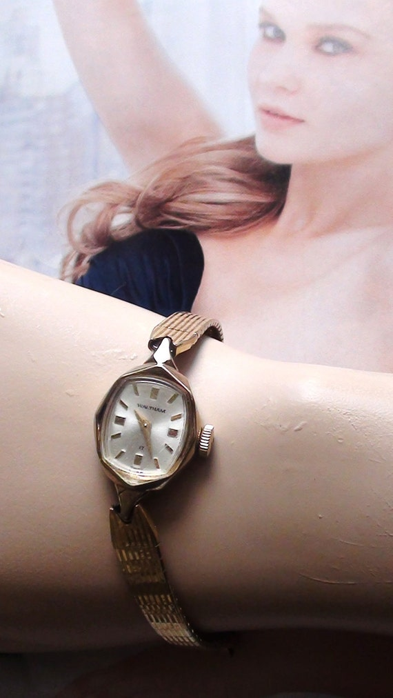 Waltham Wind Up Watch 17 Jewels Swiss Movement  Gold fill Ladies Wrist Watch Real Vintage  On SaLe Now