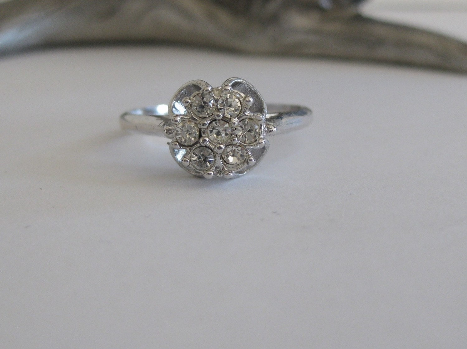 cluster ring 18k white gold hge by