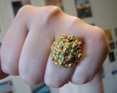 """Vintage gold ring with """"rainbow sprinkles""""- fully adjustable"""