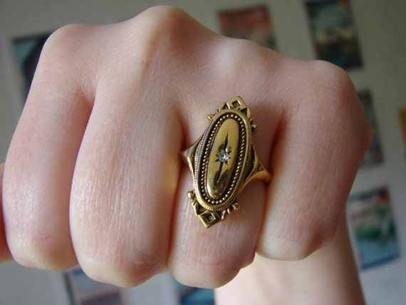 Vintage deco style gold oval cocktail ring with clear crystal- size 7.5