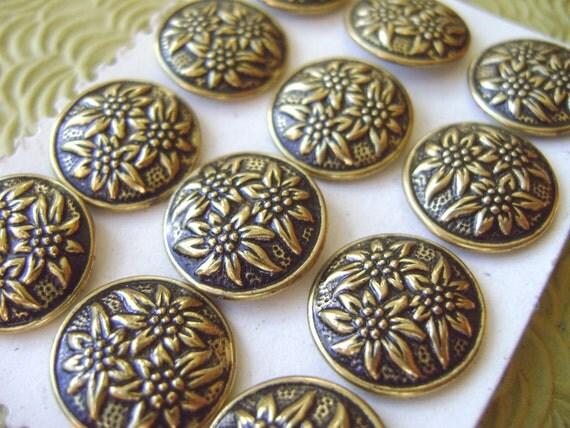 Metal Vintage Buttons - 6 Edelweiss Flower Buttons