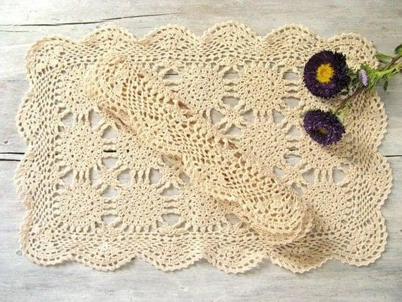 Crochet Placemats . Vintage Lace Table Linens . Set of 2 . Ecru . Cottage Chic . Wedding Decor . Bridal Shower