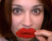 Crochet Kissing Lips