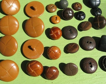 28 Old Brown Coat Buttons