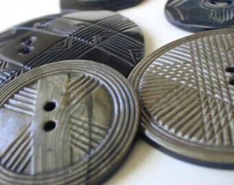 5 vintage celluloid plastic buttons