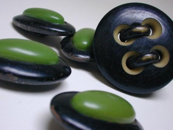 6 vintage bakelite celluloid buttons