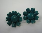 60's teal blue daisy earrings