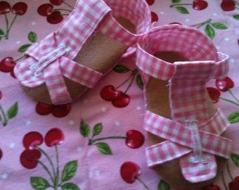 Pink Lemonade Baby Sandal PDF pattern sizes 0-9 months