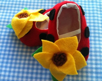 LadyBug Sunflower Felt Shoes Sizes 0-18 months perfect for spring, summer, and back to school