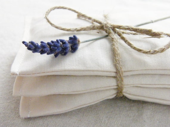 eco friendly cotton packets of organic lavender to freshen laundry