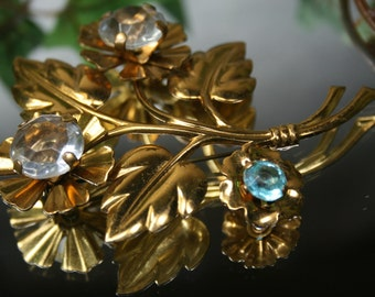 Brooch-Vintage Goldtone Flower Brooch