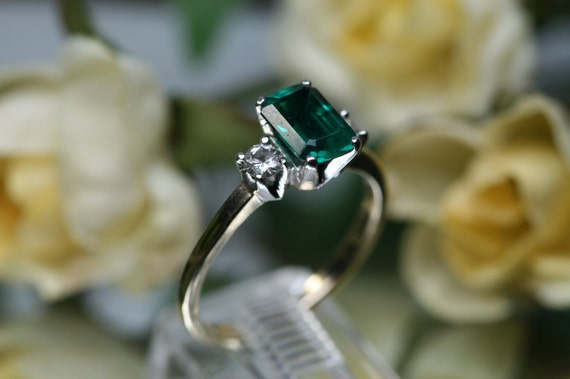 RESERVED for Niamh Sweeney    -    Ring- Vintage 14k Emerald and Diamond Ring