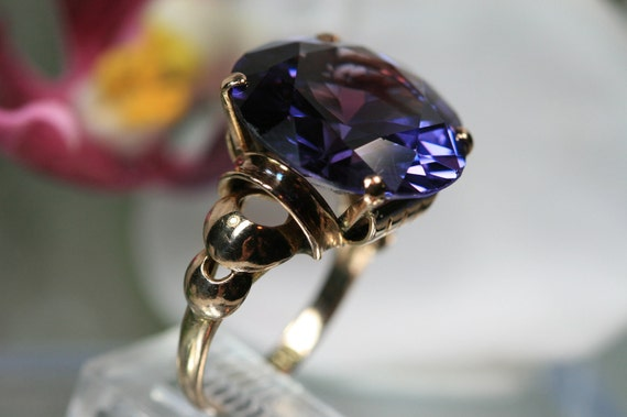 Ring - Antique 14k Yellow Gold and Sapphire Ring