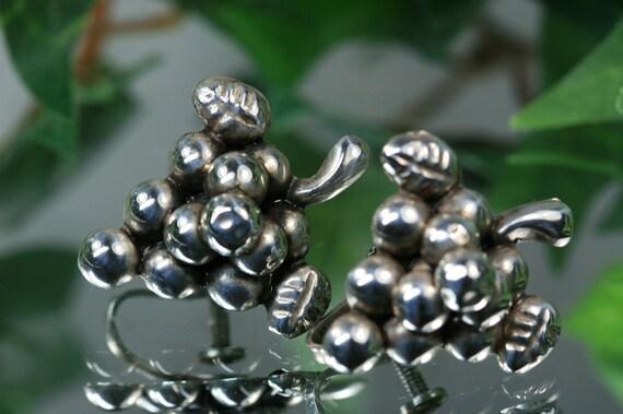 Silver -  Vintage Screwback Grape Earrings - Mexico