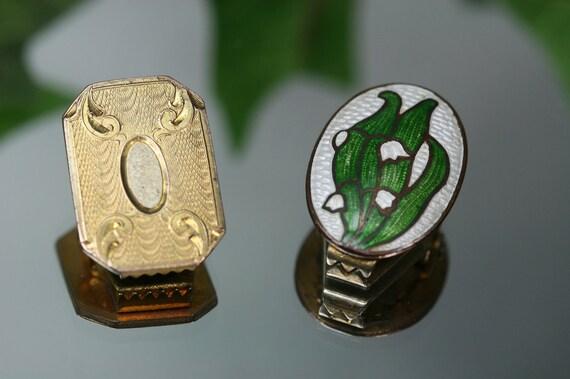 Vintage Goldtone Metal And Enamel Decorative Clips- Tie or Scarf Clip