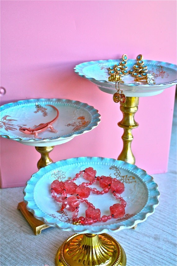 Cupcake pedestals-jewelry pedestal-Cupcakes-jewelry-cottage chic