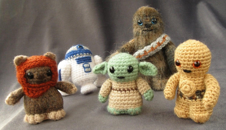 Crochet Pattern Small Amigurumi : PATTERNS for All 10 Star Wars Mini Amigurumi