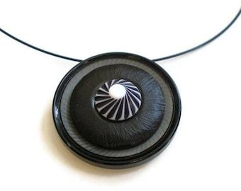 Pinwheel Vintage Button Choker