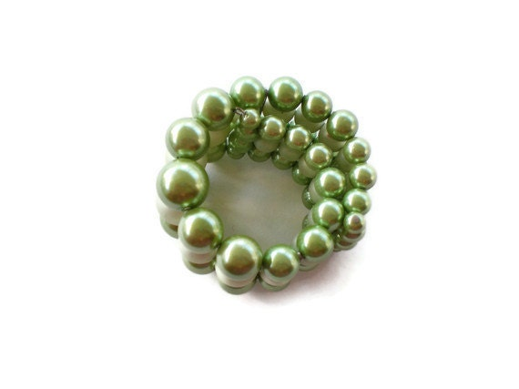 Vintage Pearly Green Expansion Bracelet