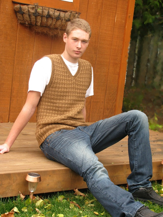 PATTERN - Helmsley Men's Vest