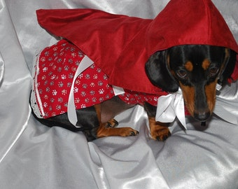 Little Red Riding Hood Costume Featured on Peoplepets.com