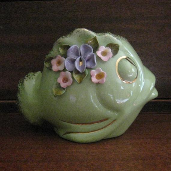 Vintage CERAMIC Wall Pocket Vase FISH Green & Gold