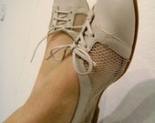 Vintage Cream Mesh And Leather Lace-Up Skimmer- size 7.5